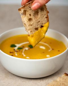 raw organic vegan carrot soup